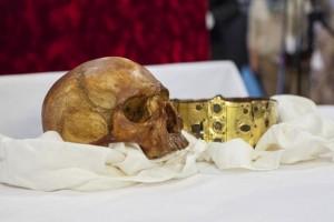 saint-erik-skull-crown